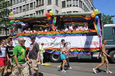Impression Regenbogenfahne Streetparade