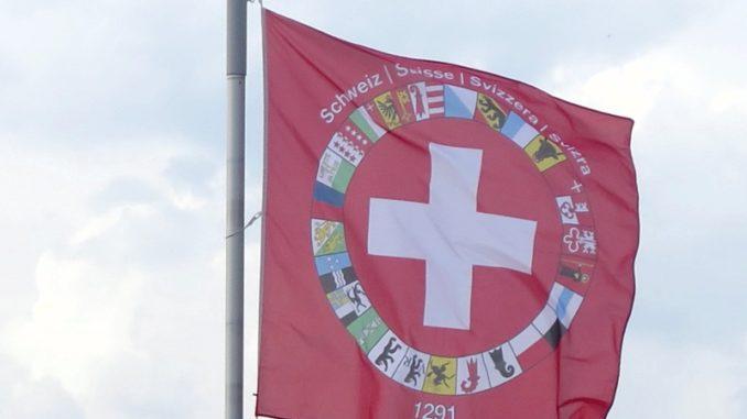 CH-Fahne mit allen Kantonen